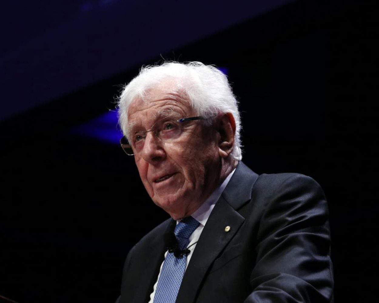 These 9 Frank Lowy Quotes Show You How to Create a Stronger Business
